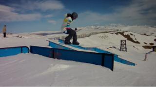 Ilana snowboard-NZ